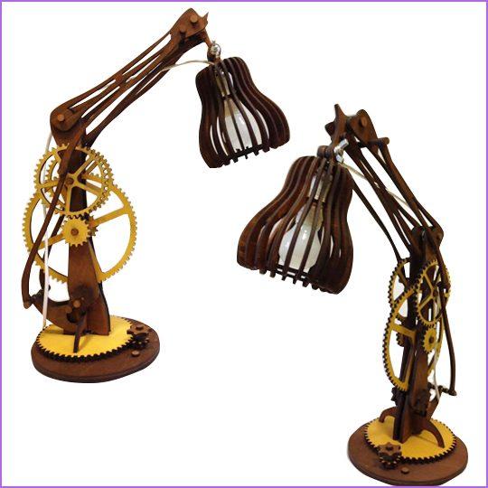 Лампа настольная Материал: фанера 4 мм. фанера 10 мм, тонирование фанеры.