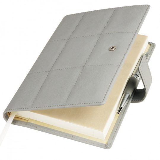 Ежедневник-портфолио Royal, серый, обложка soft touch, недатированный кремовый блок, подарочная коробка